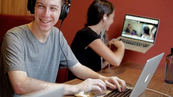 在线教育与传统教育:颠覆与反颠覆的对决