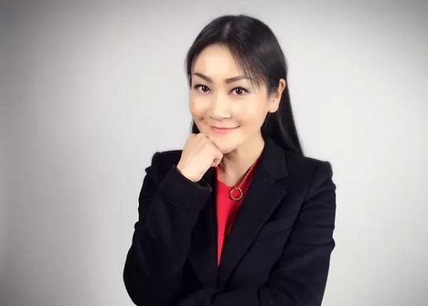 薛蛮子蔡文胜投资500万 她将段子与营销结合 拍摄出超4亿点击搞笑短视频
