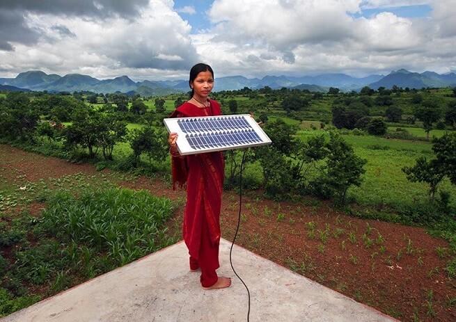 印度研发「太阳能树」,实现全方位太阳能发电