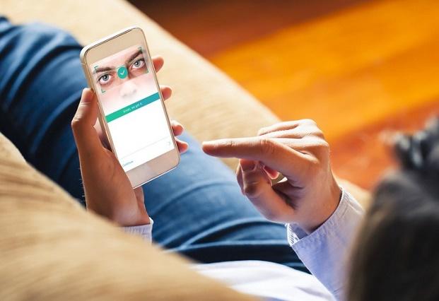 """收购眼球识别技术公司 EyeVerify,未来支付宝也可以""""刷眼""""了"""