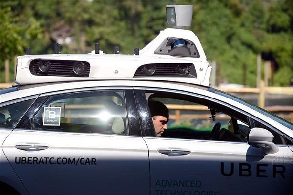 奥巴马:今年 10 月将推监管政策,支持更安全的自动驾驶