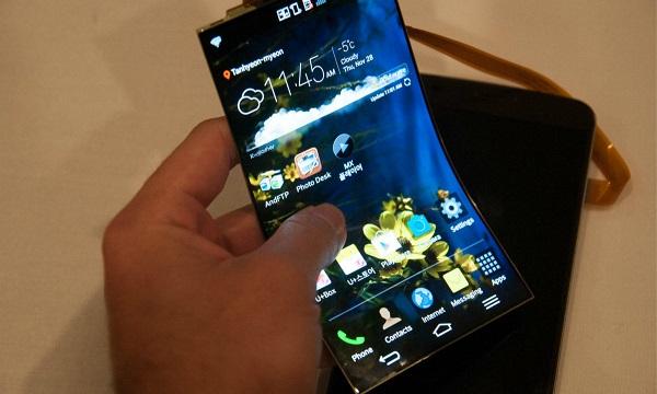 三星欲明年推可折叠手机,或对手机部门火上浇油