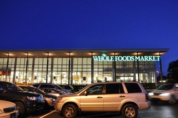 要把 Alexa 应用到400家全食超市 亚马逊想革零售商的命?