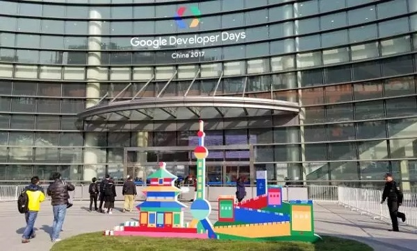 """以 AI 之名""""一进一出"""",谷歌在中国的棋下对了吗?"""