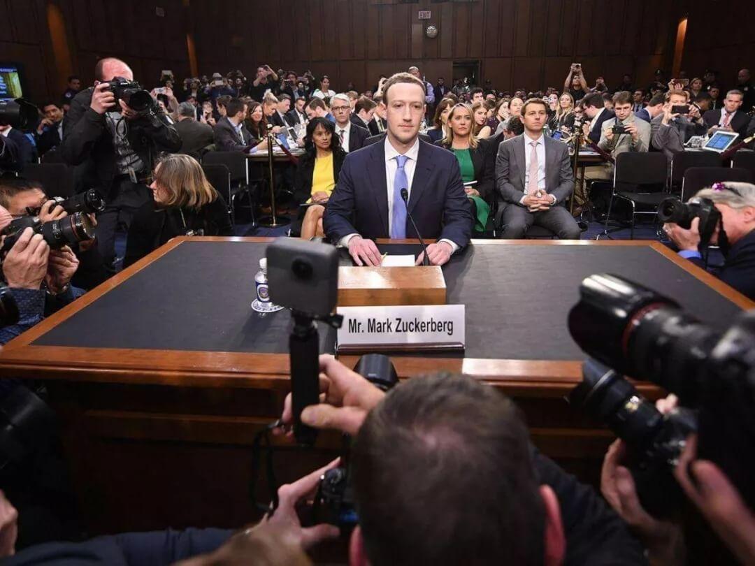 Facebook 听证会第一天:扎心的小扎和五大焦点问题