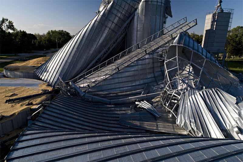 微软与美国能源部联合开发AI灾难响应工具,对抗洪水和火灾